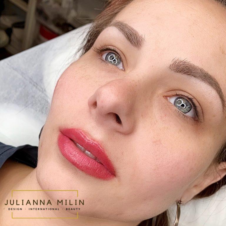 Full Face Lips